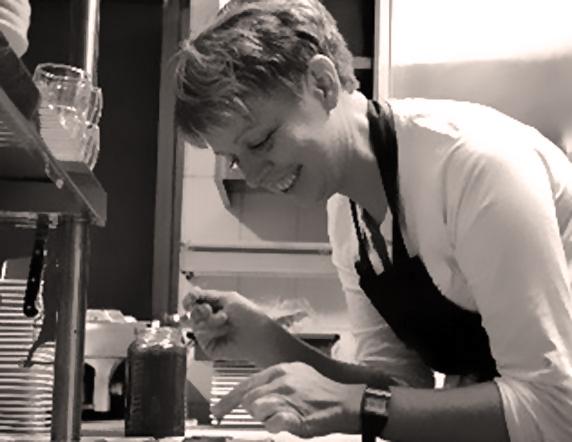 Ruth Schöfer - Beiköchin